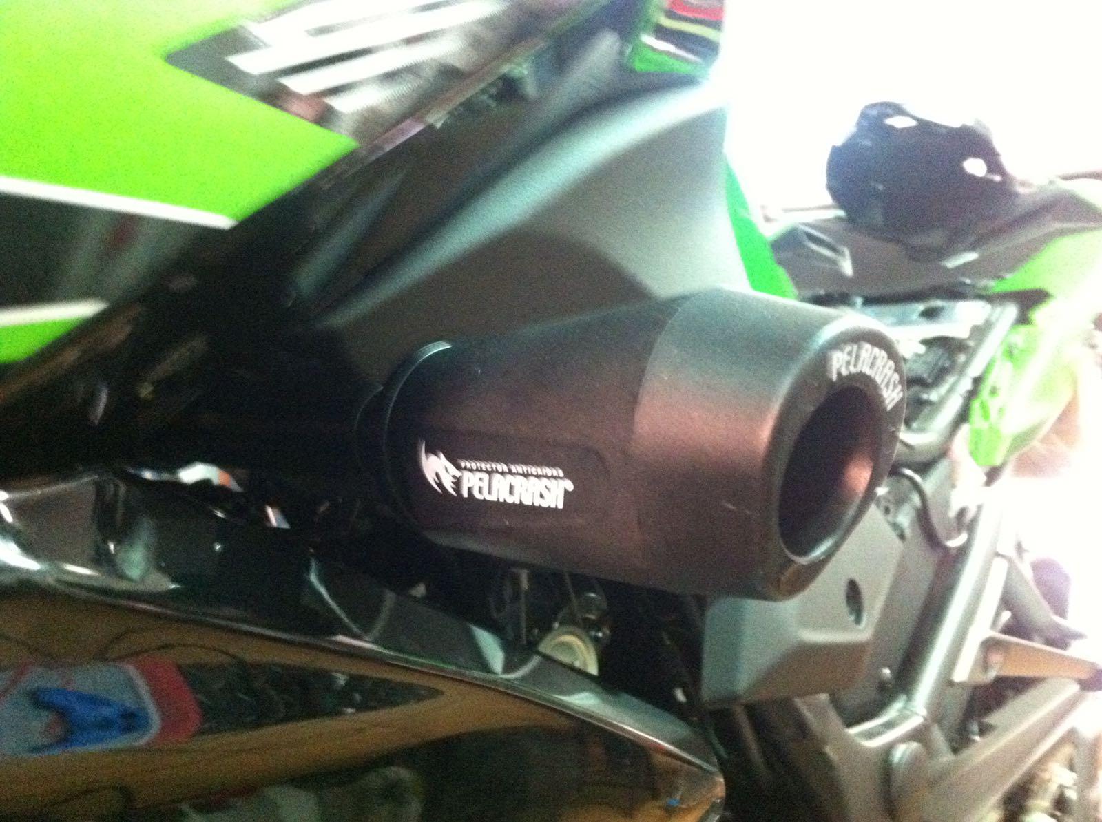 Kawasaki Z300 fairing protector